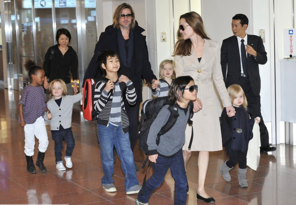 ブラッド・ピットとアンジェリーナ・ジョリーと子供たち