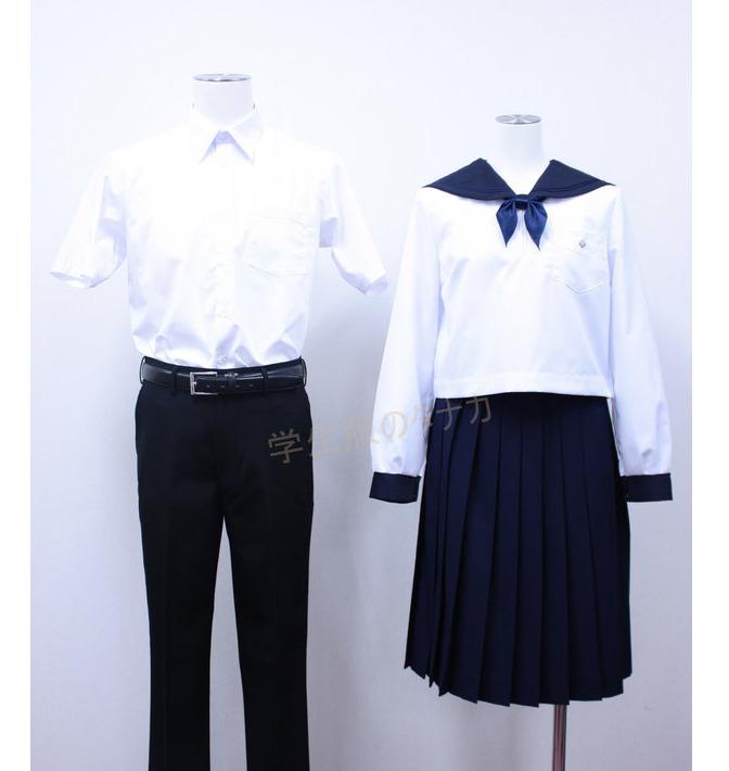 札幌丘珠高等学校の制服(夏服)