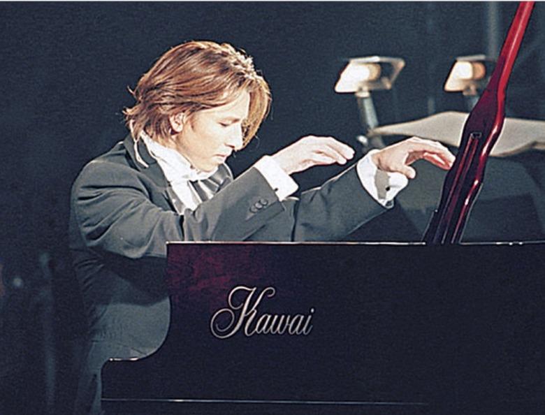 天皇陛下への奉祝曲「Anniversary」を作曲したYOSIKI
